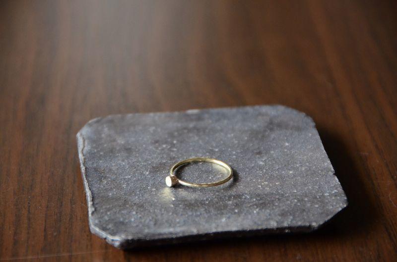 画像1: 石が留まらぬ物語 (1)